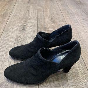 Stuart Weitzman ankle black suede boots